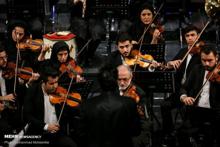 تصاویر اجرای ارکستر سمفونیک صدا و سیما,عکس های سی و پنجمین جشنواره موسیقی فجر,تصاویر ارکستر سمفونیک