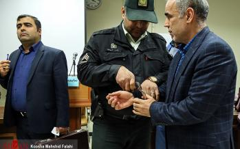 تصاویر بازداشت علی دیواندری,عکس های بازداشت علی دیواندری,تصاویر علی دیواندری