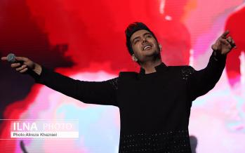 تصاویر کنسرت فرزاد فرزین,عکس های فرزاد فرزین,تصاویر کنسرت پاپ در ایران