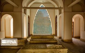 تصاویر تخت فولاد اصفهان,عکس های اصفهان,تصاویر آرامگاه در اصفهان