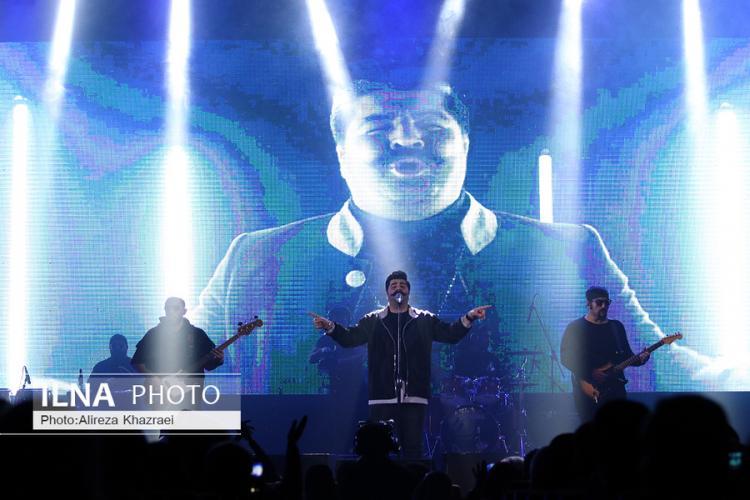 تصاویر کنسرت بهنام بانی,عکس های کنسرت بهنام بانی,تصاویر کنسرت بهنام بانی در جشنواره فجر 35