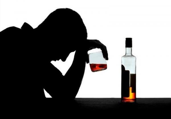 مسمومیت ۲۶۴ نفر در استان فارس با الکل / ۳۱ نفر جان باختند