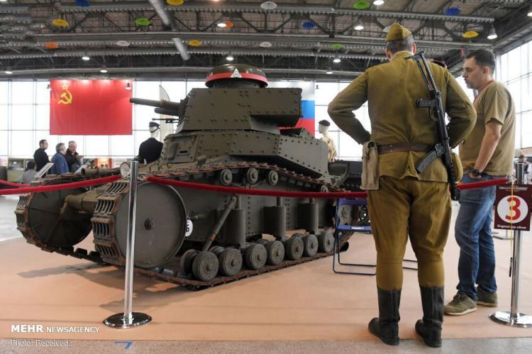 تصاویر نمایشگاه ماشین های کلاسیک در مسکو,عکس های نمایشگاه ماشین,تصاویر ماشین های کلاسیک در مسکو