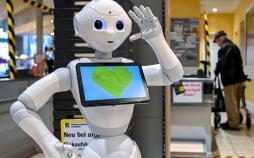 تصاویر ربات ها در بیمارستان,عکس های ربات ها در ساختمان های اداری,تصاویر استفاده از ربات در برابر کرونا