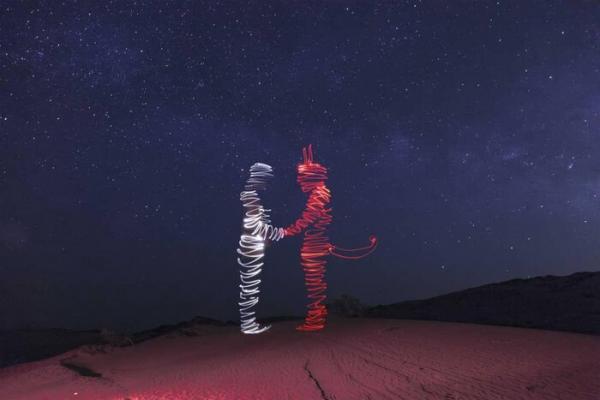نقاشی با نور توسط عکاس,اخبار هنرهای تجسمی,خبرهای هنرهای تجسمی,هنرهای تجسمی