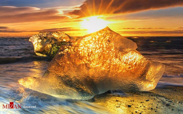 تصاویر تکه های یخ,عکس های تصاویری از تکههای یخ که با تلالو نور خورشید,تصاویر یخ ها در نور خورشید