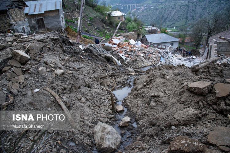 تصاویر ریزش کوه در روستای پیت سرای سوادکوه,عکس های ریزش کوه در سوادکوه,تصاویری از سقوط سنگ در سوادکوه