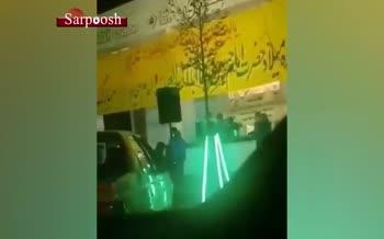 فیلم/ پخش شیرینی و شربت در خیابانهای مشهد