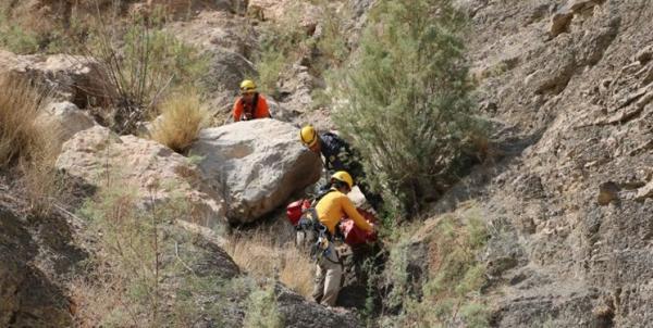 سقوط یک مرد در کوه صفه اصفهان,اخبار حوادث,خبرهای حوادث,حوادث امروز