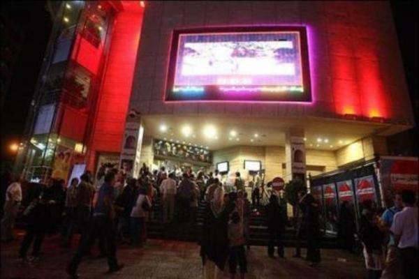 اولین اکران سال در انتظار تصمیم ستاد کرونا و احتمال بازگشایی سینماها در عید فطر !