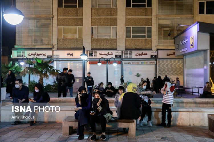 تصاویر زلزله تهران,عکس های مردم بعد از وقوع زلزله در تهران,تصاویر مردم تهران در خیابان بعد از زلزله