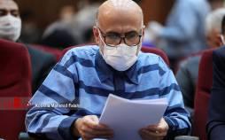 تصاویر چهارمین جلسه رسیدگی به اتهامات اکبر طبری,عکس های دادگاه اکبر طبری,تصاویری از دادگاه چهارم اکبر طبری