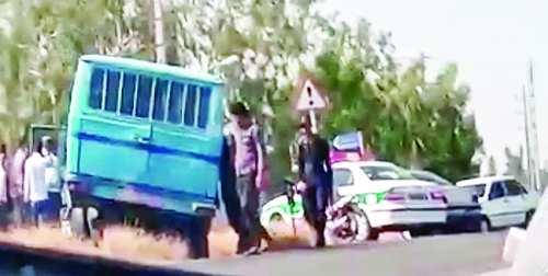 حمله افراد مسلح به مینیبوس حامل زندانیان در میناب,اخبار حوادث,خبرهای حوادث,جرم و جنایت