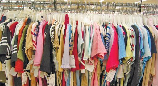 ممنوعیت واردات پوشاک؛ حمایت از تولید یا ایجاد انحصار برای قاچاقچیان