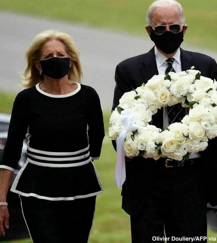 تصاویر جو بایدن در یک رویداد عمومی,عکس های جو بایدن و همسرش در 26 می,تصاویری از جو بایدن و همسرش پس از دو ماه غیبت