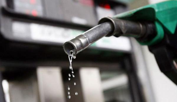 طرح مجلس برای تغییر نحوه سهمیهبندی بنزین/ به جای خودرو به هر خانواده سهمیه تعلق میگیرد