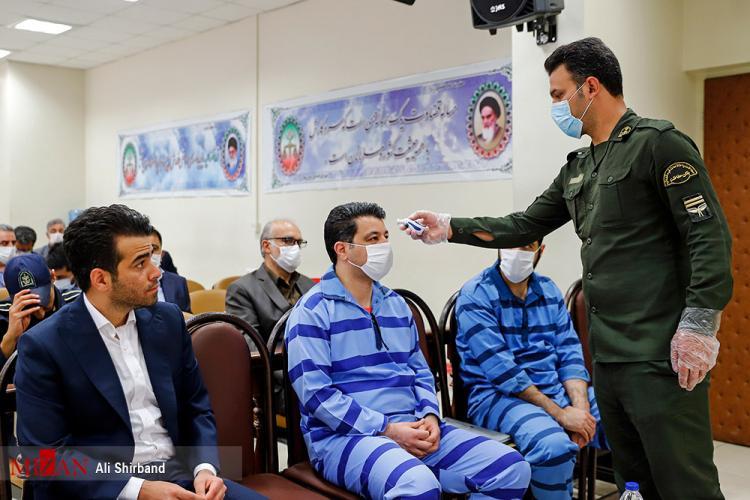 تصاویر دهمین جلسه رسیدگی به اتهامات ۲۱ متهم کلان ارزی,عکس های دادگاه متهمان ارزی,تصاویری از دادگاه دهم متهمان ارزی