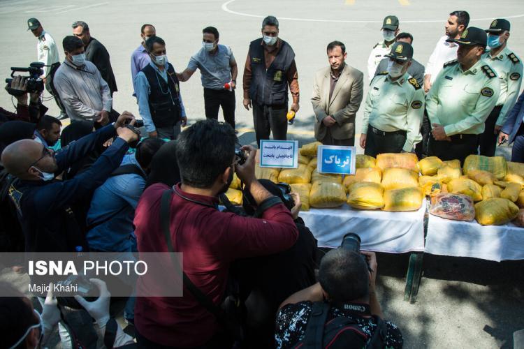 تصاویر کشف بزرگترین محموله مواد مخدر در تهران,عکس های کشف مواد مخدر در تهران,تصاویر کشف بزرگترین محموله مواد مخدر توسط پلیس تهران