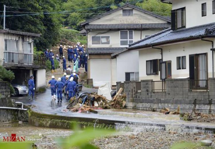 عکس های سیل گسترده در جنوب غربی ژاپن,تصاویر سیل ژاپن,تصاویری از وقوع سیل شدید در ژاپن