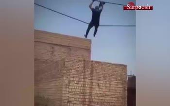 فیلم/ فرار از دست پلیس به شیوه مرد عنکبوتی در آبادان