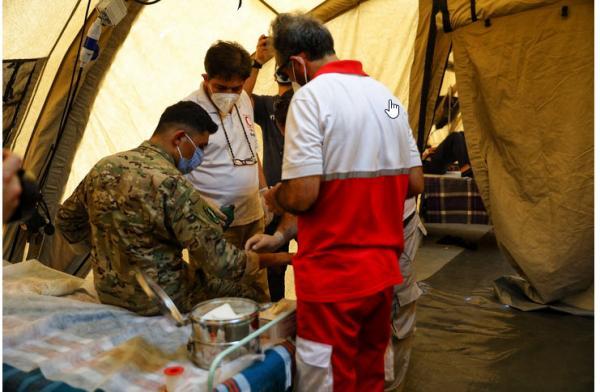 مراجعه ۳۵۰ مجروح لبنانی به بیمارستان صحرایی هلالاحمر ایران در بیروت/ واکنش فرانسه و آمریکا به استعفای دولت لبنان