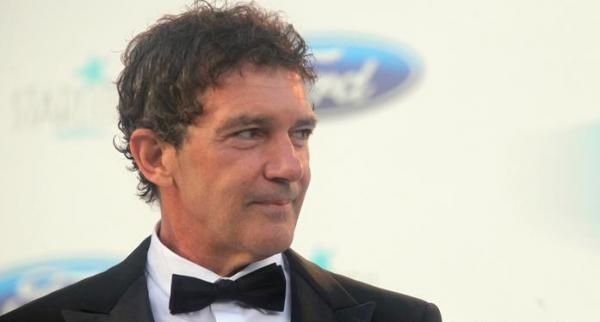 ابتلای آنتونیو باندراس به کرونا,اخبار هنرمندان,خبرهای هنرمندان,اخبار بازیگران