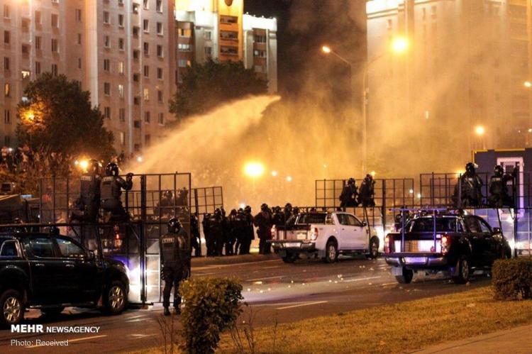 تصاویر اعتراض خشن در خیابانهای بلاروس,عکس های اعتراضات در بلاروس,عکس های تظاهرات اعتراضی در بلاروس,عکس های معترضان بلاروسی