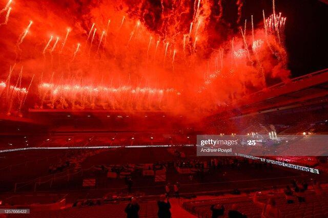 تصاویر جشن قهرمانی تیم لیورپول در آنفلید,عکس های جشن قهرمانی تیم لیورپول,تصاویری از بازیکنان لیورپول در جشن قهرمانی لیگ انگلیس