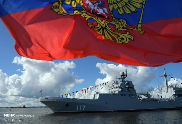 تصاویر مراسم روز نیروی دریایی روسیه,عکس های رژه نیروی دریایی روسیه,عکسهای مراسم روز نیروی دریایی روسیه
