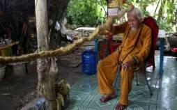 تصاویر پیرمرد ۹۲ ساله با موهای ۵ متری,عکس های یک پیرمرد با موهای بلند,تصاویر پیرمرد چینی با موهای پنج متری