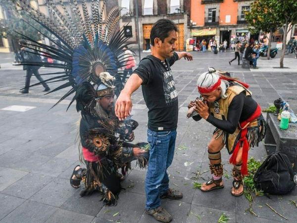 ورد و دعا علیه ویروس کرونا در شهر مکزیکوسیتی/ عکس