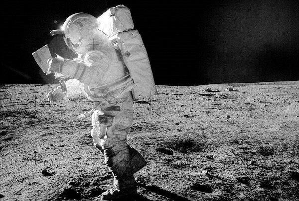 استفاده از پرتوهای الکترونی برای تمیز کردن لباسهای فضایی,اخبار علمی,خبرهای علمی,نجوم و فضا