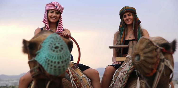 تصاویر سافاری با شتر در کاپادوکیا,عکس های تفریح مردم در کاپادوکیا,تصاویر بالن سواری در کاپادوکیا
