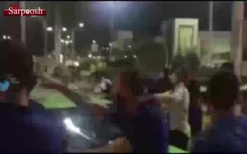 فیلم/ درگیری فیزیکی شدید بازیکنان استقلال با هواداران در فرودگاه