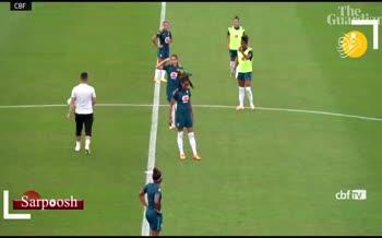 فیلم/ مهمان ناخوانده در تیم ملی فوتبال زنان برزیل