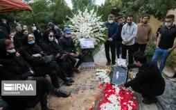 تصاویر تشییع پیکر و مراسم خاکسپاری نصرتالله وحدت,عکس های مراسم تشییع پیکر نصرتالله وحدت,تصاویر بازیگران در مراسم خاکسپاری نصرتالله وحدت
