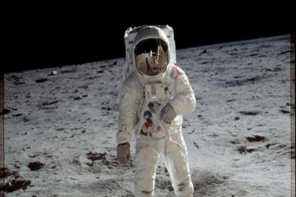 سفر نخستین فضانورد زن به کره ماه,اخبار علمی,خبرهای علمی,نجوم و فضا