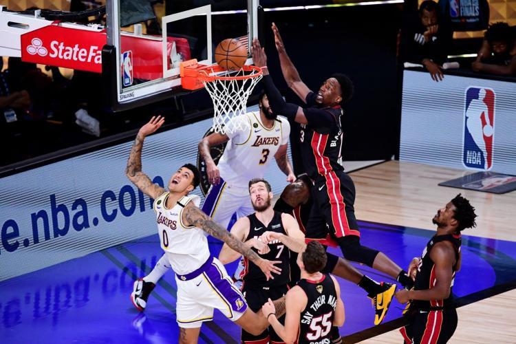 تصاویر قهرمانی لسآنجلس لیکرز در NBA,عکس های دیدار تیم بسکتبال لیکرز و میامی,تصاویر قهرمانی تیم بسکتبال لس آنجلس لیکرز