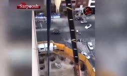 فیلم/ لحظه هولناک سقوط تیرآهن در سعادت آباد تهران