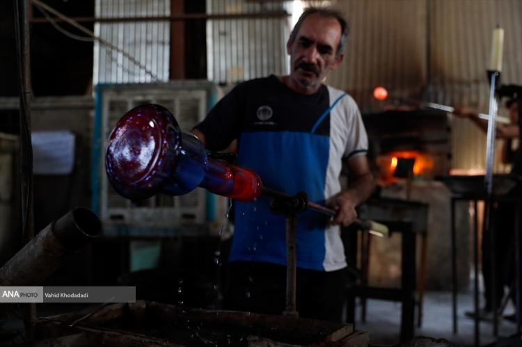 تصاویر شغل شیشهگری در ایران,تصاویر هنر شیشهگری در ایران,تصاویری از کارگران شیشهگری