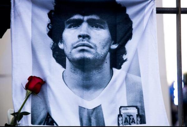 فوت دیه گو آرماندو مارادونا اسطوره آرژانتینی فوتبال