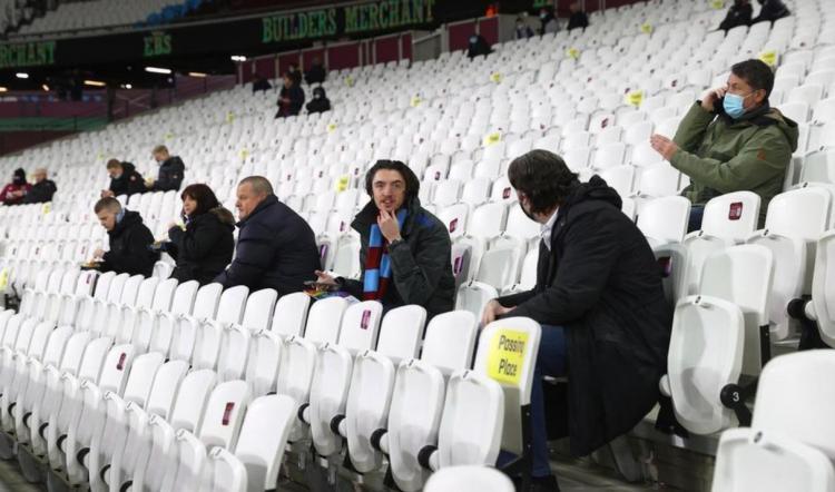 تصاویر تماشاگران فوتبال,عکس های تماشاگران فوتبال در جهان,تصاویر تماشاگران فوتبال در لیگ برتر انگلیس