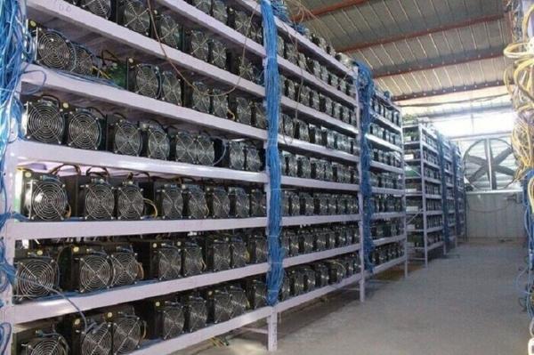 استخراج رمزارز در ایران,دستگاه های ماینر در ایران