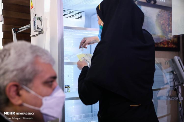 تصاویر تست انسانی واکسن ایرانی کرونا,عکس های واکسن ایرانی کرونا,تصاویر تست واکسن کرونای ایرانی