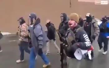 فیلم/ تجمع خطرناکترین گروه مسلح در اورگن آمریکا!