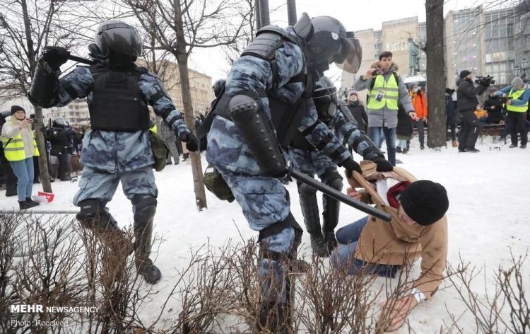 تصاویر تظاهرات حامیان ناوالنی در چندین شهر روسیه,تصاویر طرفداران الکسی ناوالنی,عکس های اعتراضات حامیان الکسی ناوالنی در روسیه