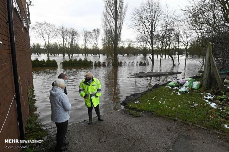 تصاویر سیل در انگلیس,عکس های طوفن در انگلیس,تصاویر سیل و طوفان در انگلیس