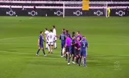 فیلم/ لحظه عجیب و غریب درگیری در لیگ پرتغال!