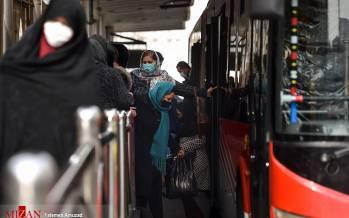 تصاویر کرونا در صف اتوبوس,عکس های مردم در در صف اتوبوس در شرایط کرونا,تصاویر صف های اتوبوس در شرایط کرونایی کشور