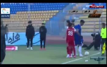 فیلم/ درگیری شدید و برخوردهای فیزیکی بازیکنان دو تیم گل گهر و تراکتور
